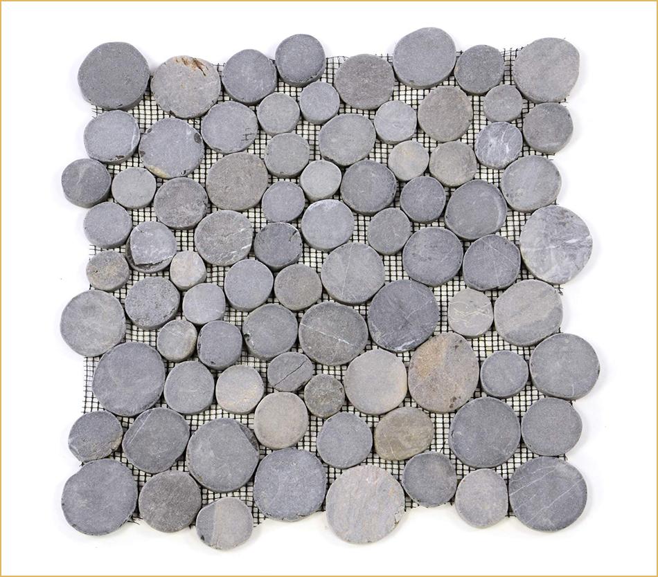Mosaik mit Steinchen in Münzform