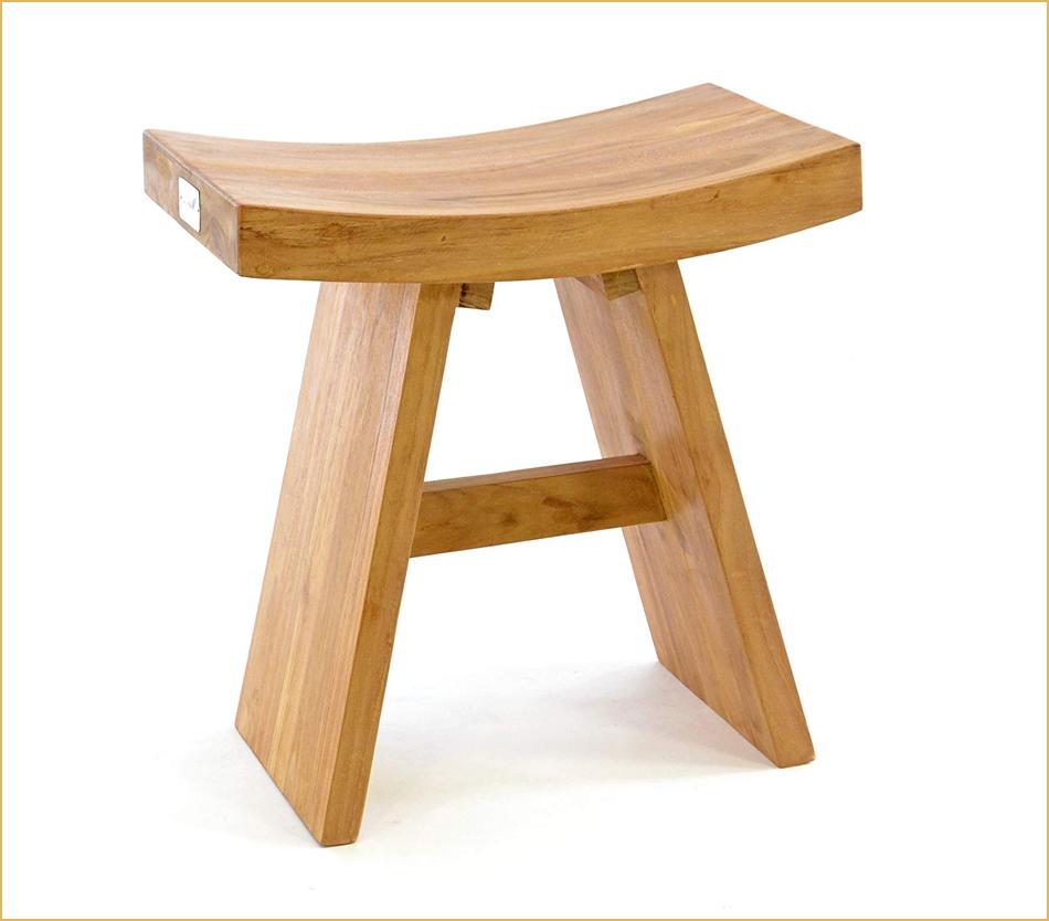 Holzhocker für Indoor im Zen-Design